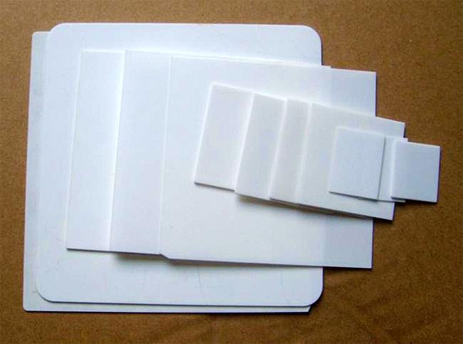 株式会社陶喜では窒化アルミ(AlN)基板(福建華清電子材料有限公司 HEM)の提供も行っています。